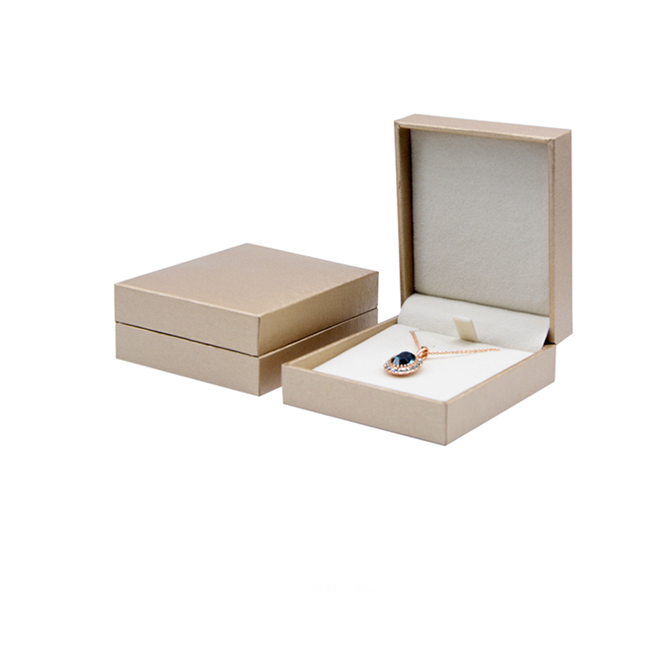 Wholesale luxury custom plastic jewelry storage set ring packaging jewelry gift box with logo