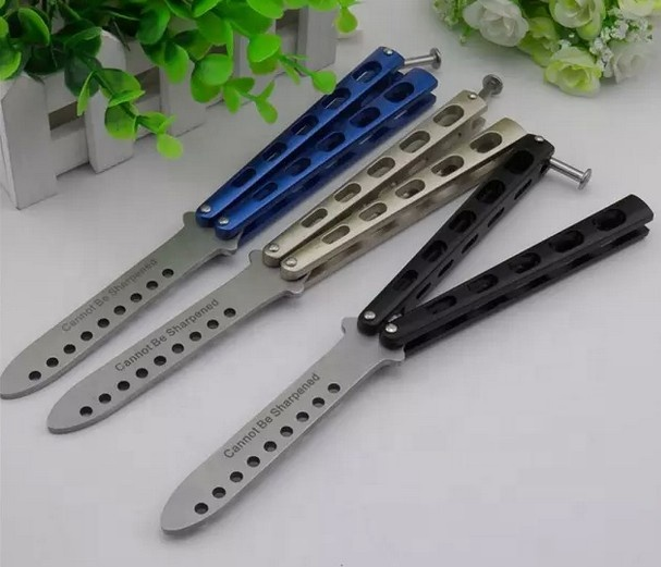 Stainless Steel Folding Blade <strong>Knife</strong> Butterfly Practice <strong>knife</strong> Not sharp
