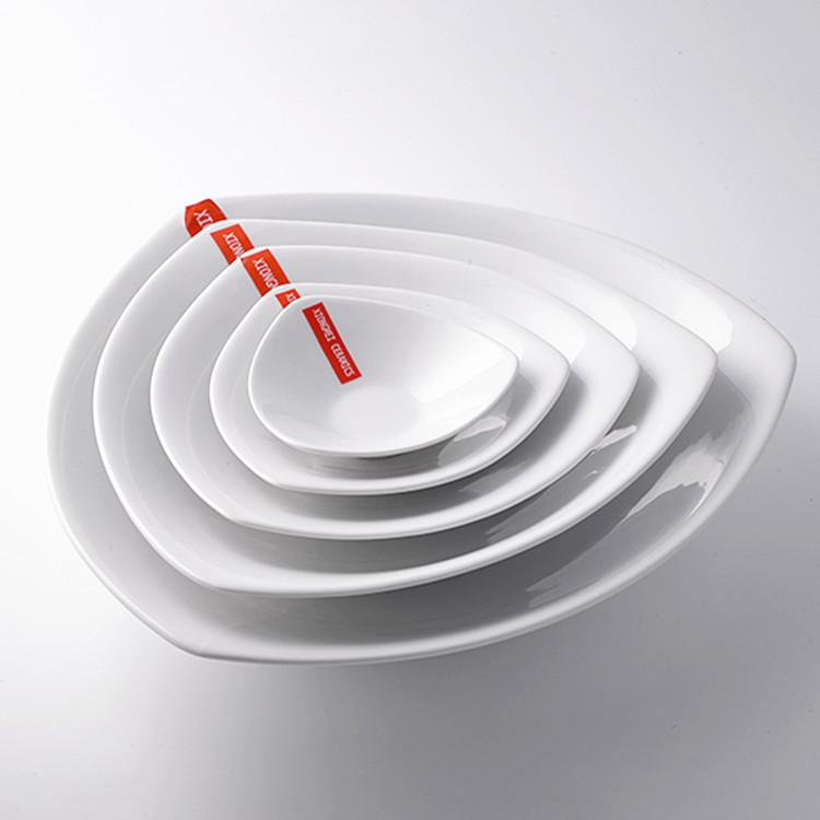 Accept <strong>OEM</strong> &amp; ODM design triangle ceramic plate white high quality restaurant porcelain serving dish