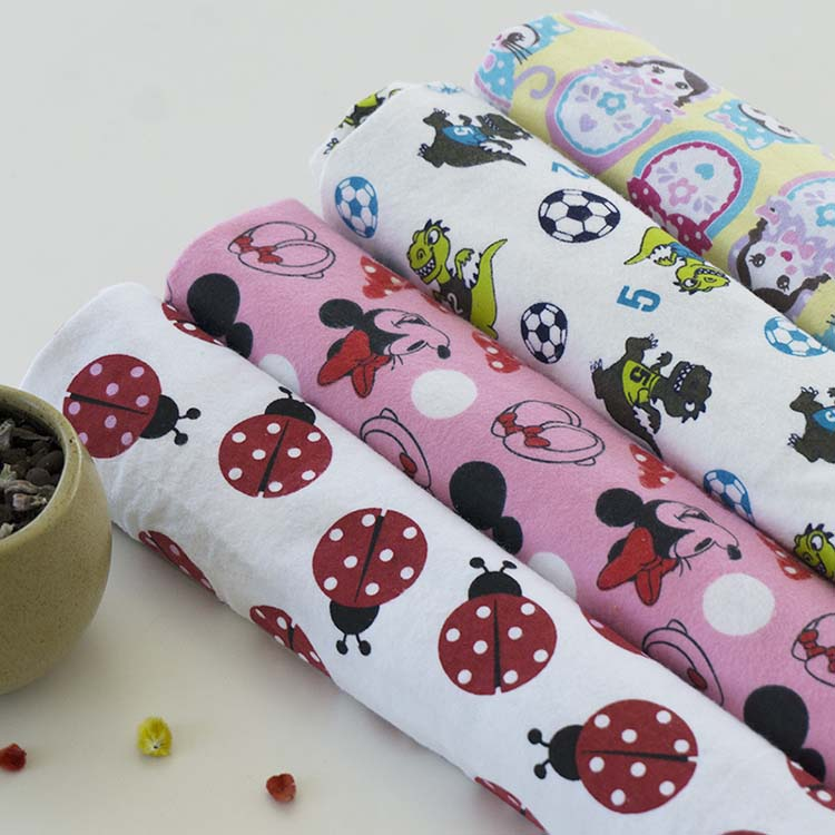 """Lovely dog"" Hot sale Flannel Fabric clothing for bed sets 120gsm/150gsm reactive printed soft handle"
