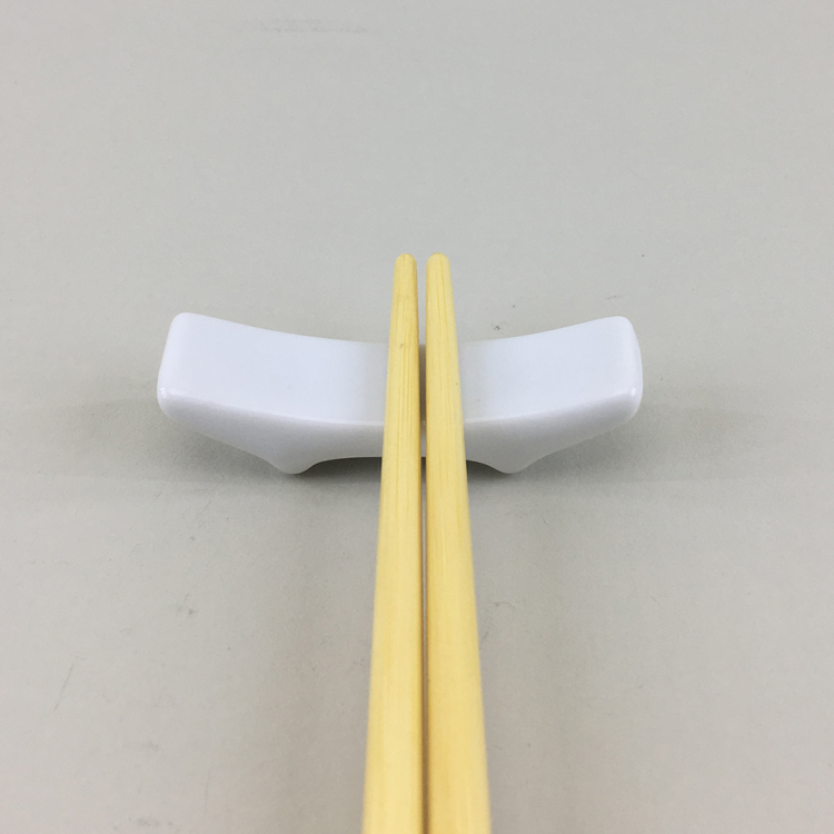Restaurant personalized rectangle shape modern white color ceramic chopstick holder  chopstick rest for one pair