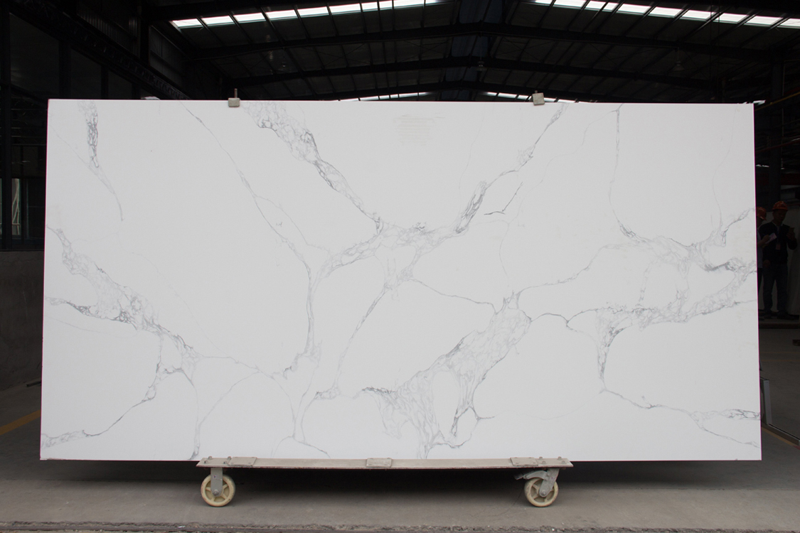 Artificial faux stone engineered quartz slab countertops with veins sunny carrara gold white calacatta marble tile price