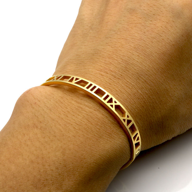 High Quality Plate Fashion Stainless Steel Roman Numeral Rose Gold Bangle 3 Colors Available Hollow Roman Numerals Cuff Bangle