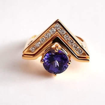 Real Tanzanite Wedding Diamond Gemstone Design in 18K Yellow Gold Ring