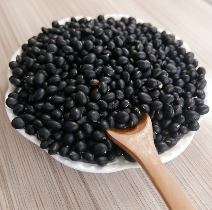 black soybeans