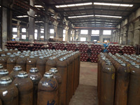 High pressure seamless gas cylinder