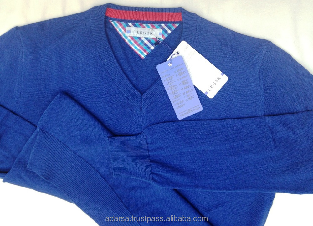 Colourful Vneck sweaters for men in Turkey