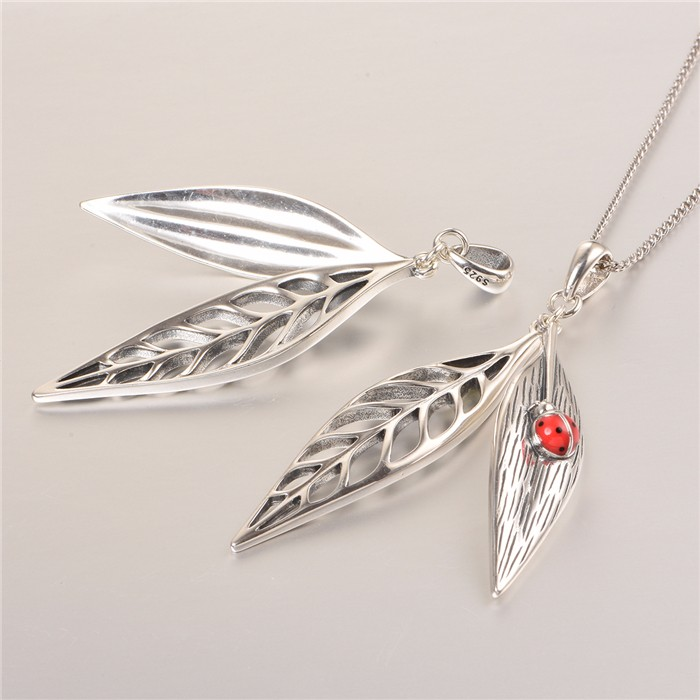 Olive Leaf Design With Cute Ladybird Pendant Newest Design Silver Pendant Necklace Pendant