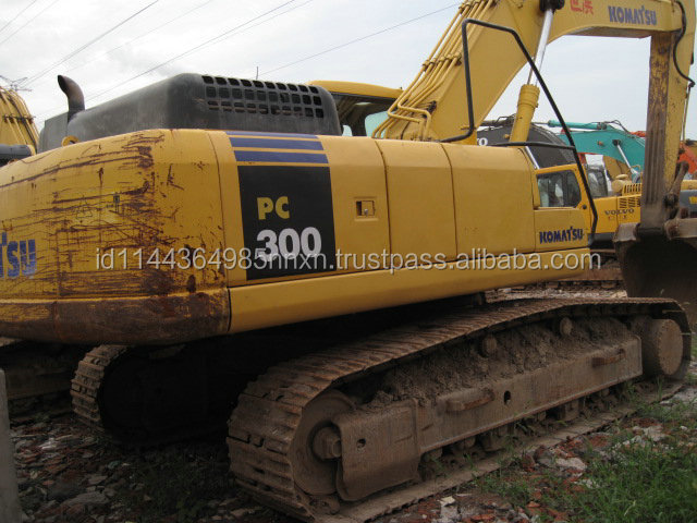 used Komatsu excavator PC300 Japanese crawler excavator good performance hot sale in Shanghai