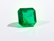emerald stone AAA quality untreated emerald stone wholasale price per carat