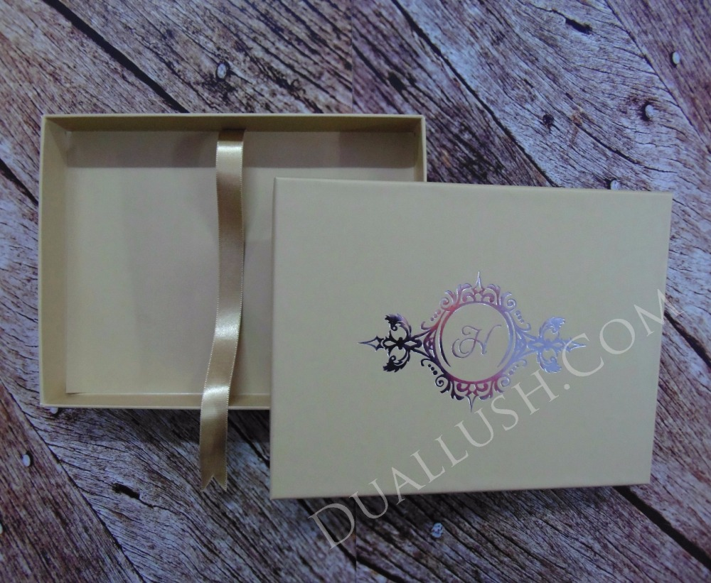 Matte Finish Mailing Box For Wedding Invitations With Hot Stamp Foil Wedding Invitation Mailers
