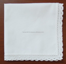 Woman handkerchief with lace edge