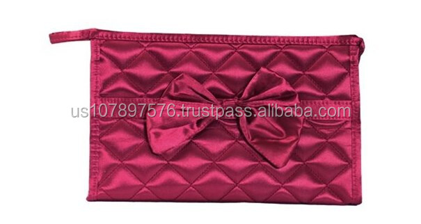 Classic diamond lattice butterfly knot makeup bag