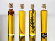 High Quality GREEK EXTRA VIRGIN OLIVE OIL , BIO , CONVENTIONAL, AND OLIVES