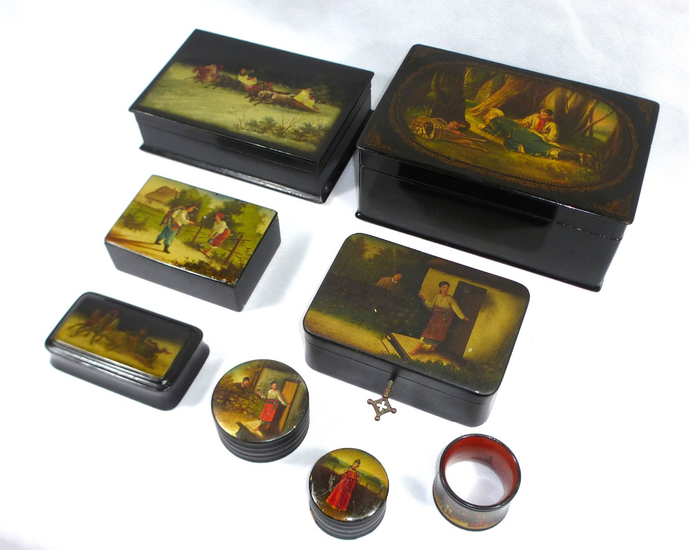 Fine painted russian laquer boxes Fedoskino antique