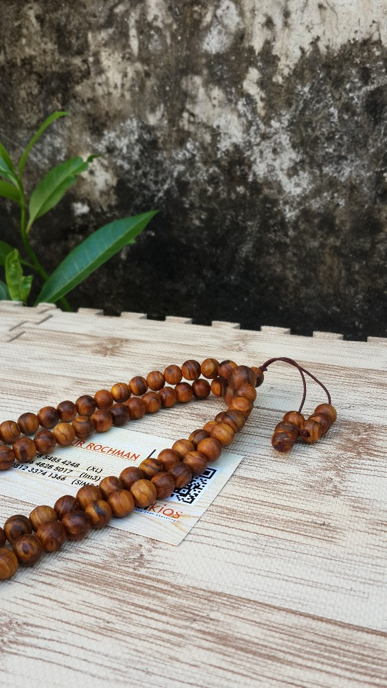 agarwood zebra 8 mm mala 108 ball