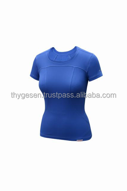 2016 New design 100% Polyester light weight Ladies t shirt with wholesale price