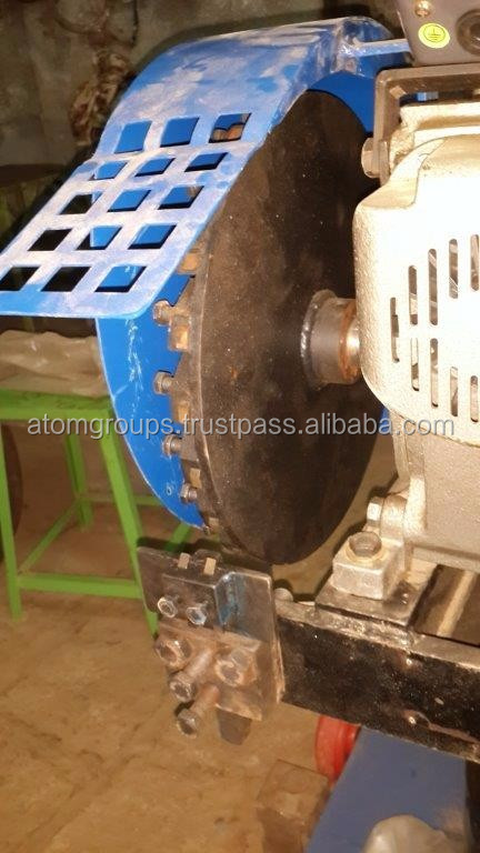 Semi-automatic coconut deshelling machine No. VX - 4