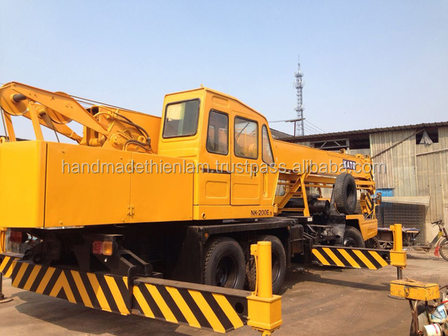 Used good working condition KATO 20T NK200E Truck crane ready to work