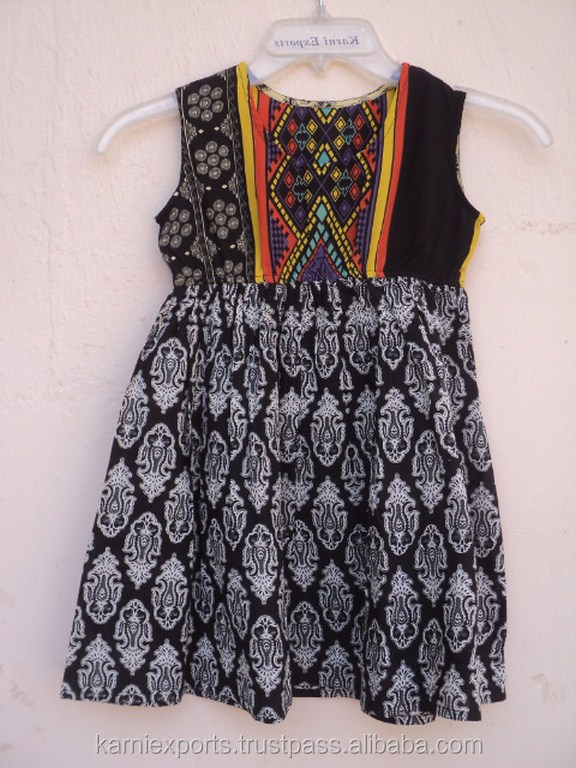 High Quality 50% Polyester & 50% Cotton Ethnic Design Printed Beautiful Baby Girls Summer Dress