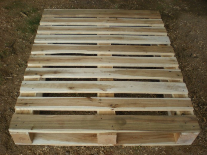 Vietnamese mini wood pallet producer