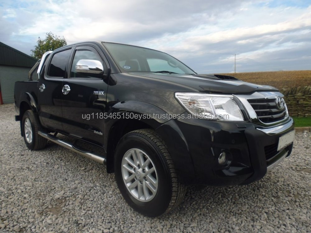 Used RHD Toyota Hilux 3.0D-4D Invincible D/Cabin 2014