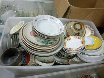 wholesale USED CERAMIC,KITCHEN WARE,BAGS,TOYS AND ACCESSORIES