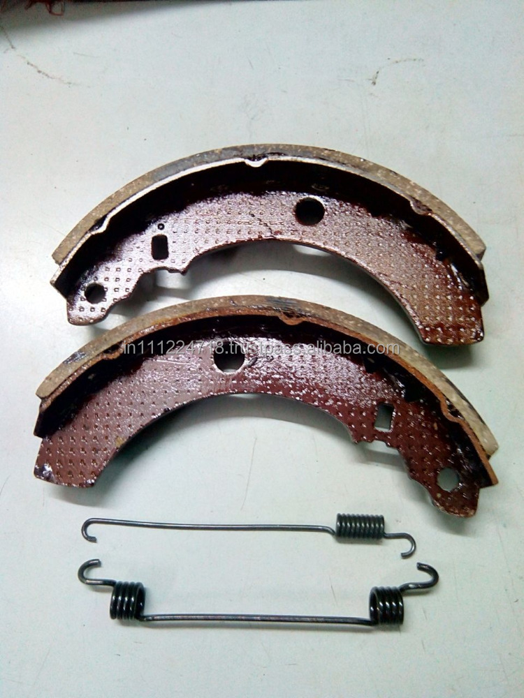 Brake Shoe Set with spring for three wheelers