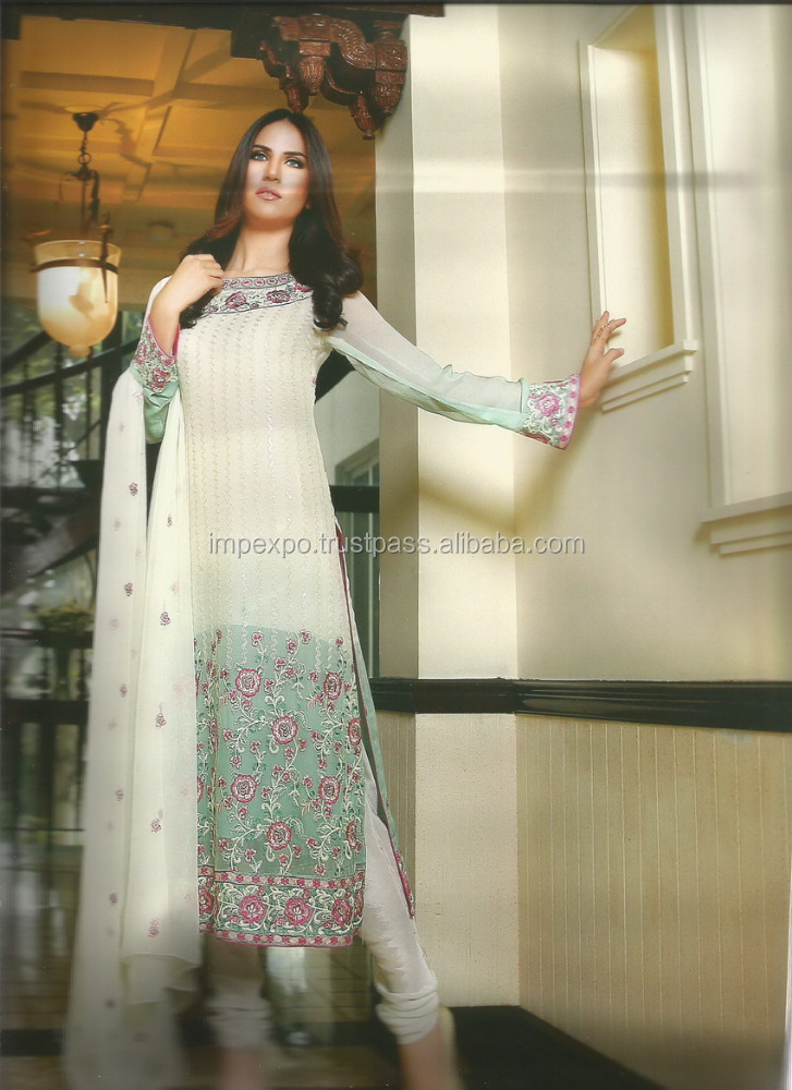 Pakistani designer dresses / Embroidery designs salwar kameez in Lahore