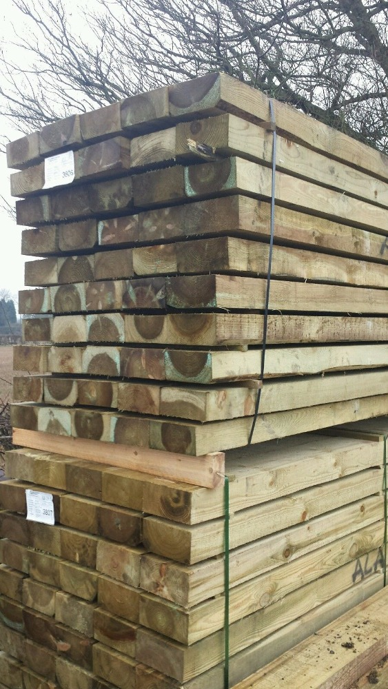 Quality oak timber fresh and kiln dried