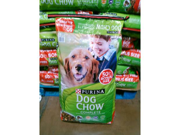 Quality Purina Dog Chow Complete Dry food