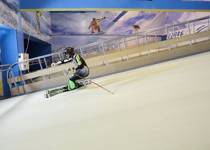 Buy in Denmark Fun park machines Fun ride on ski simulator Proleski infinite dry slope for ski and snowboard indoors