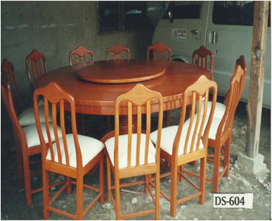 Dining Table and Chairs High Quality Wells