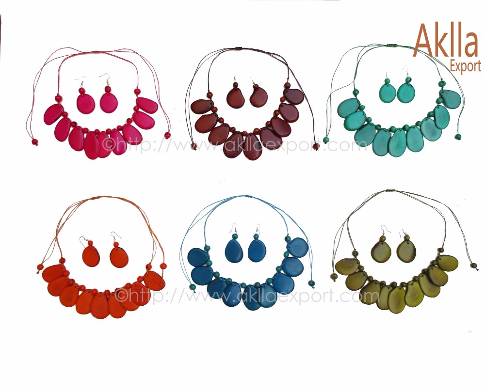 Cheap Necklaces and Paris of Earrings of Tagua and Acai Seeds