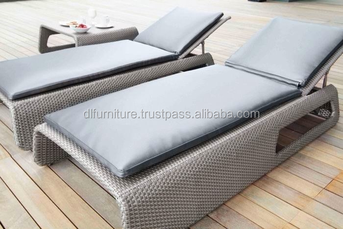 Leading Wholesale Patio thick round wicker furniture / sun lounge / beach chair