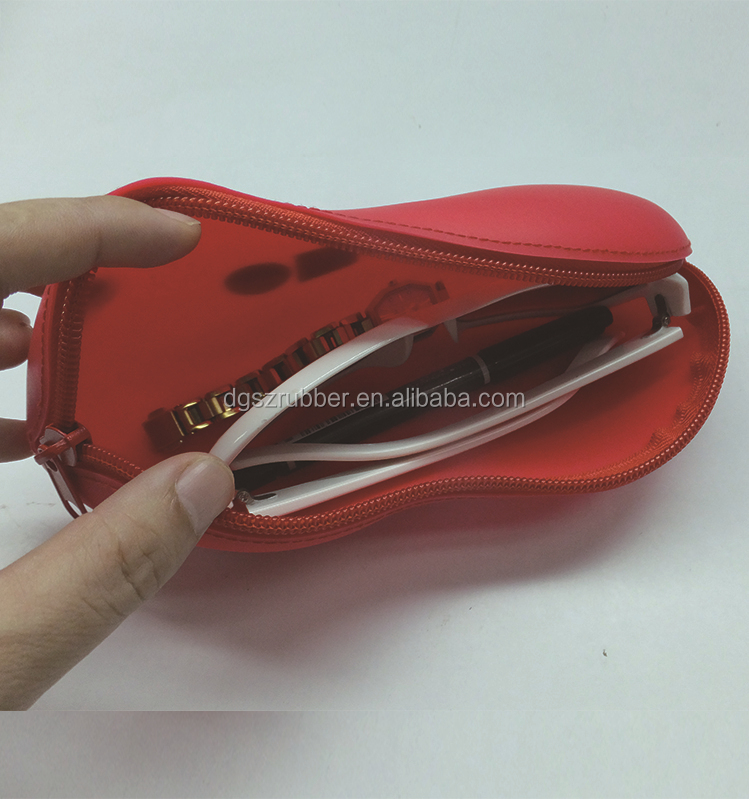 2015 Latest 3D Peanut silicone bag / perfect printed silicon glasses bag for Christmas Promotions