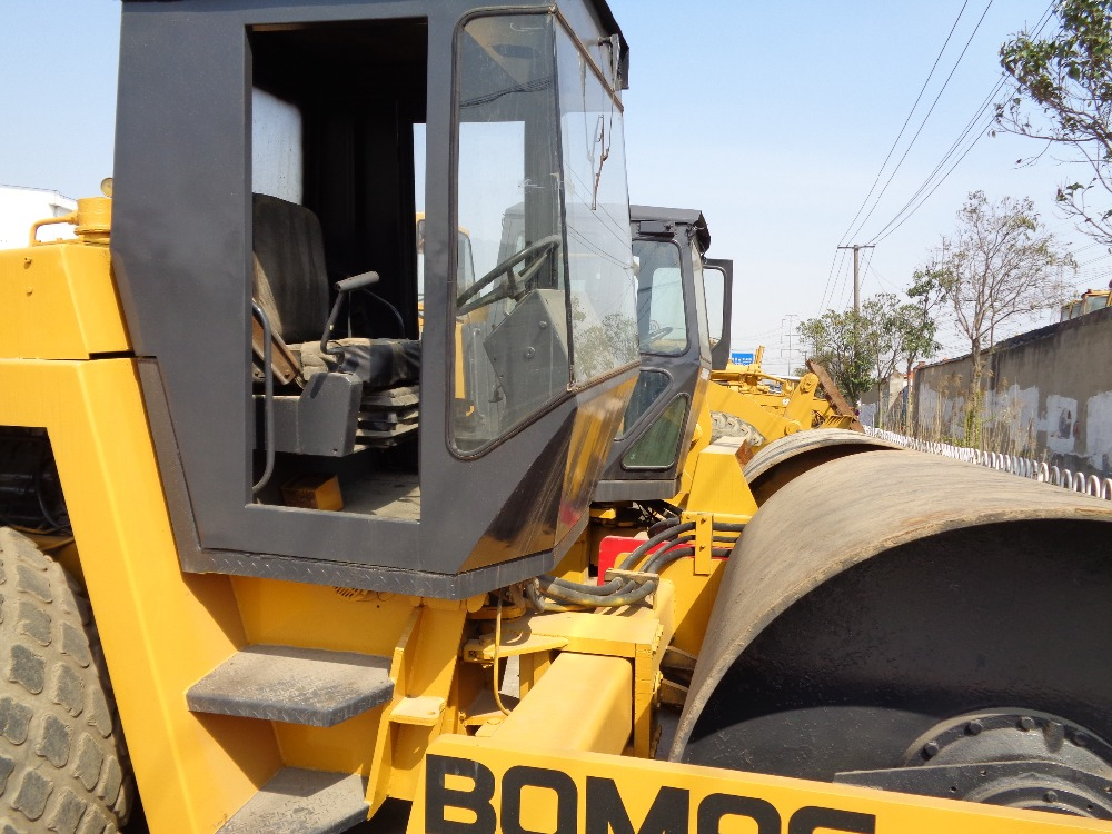Used vibrating Roller Bomag BW213D Hot selling