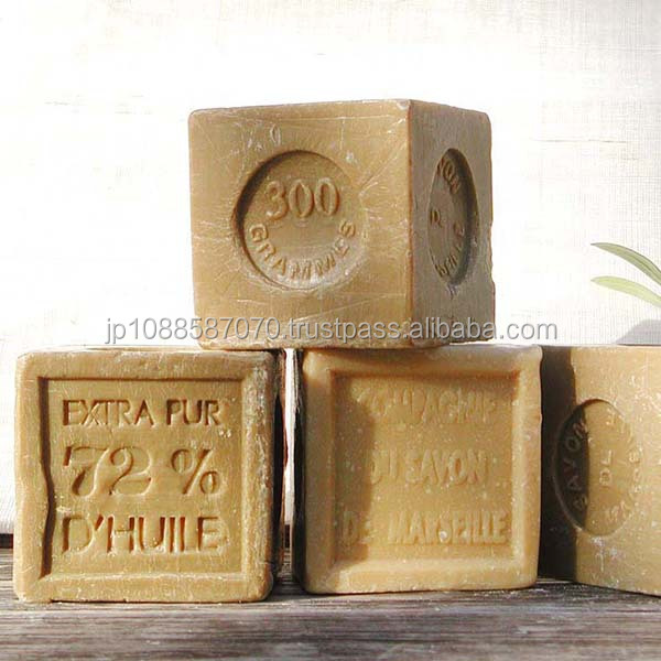 Additive free olive oil soap made in France for bath supply company