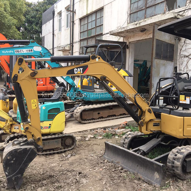 Caterpillar 302C crawler excavator , used cheap CAT 302C mini excavator