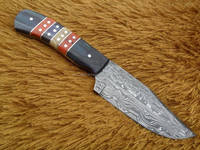 A DIFFERENT WOOD COMBINATION HANDLE DAMASCUS STEEL HUNTING KNIFE