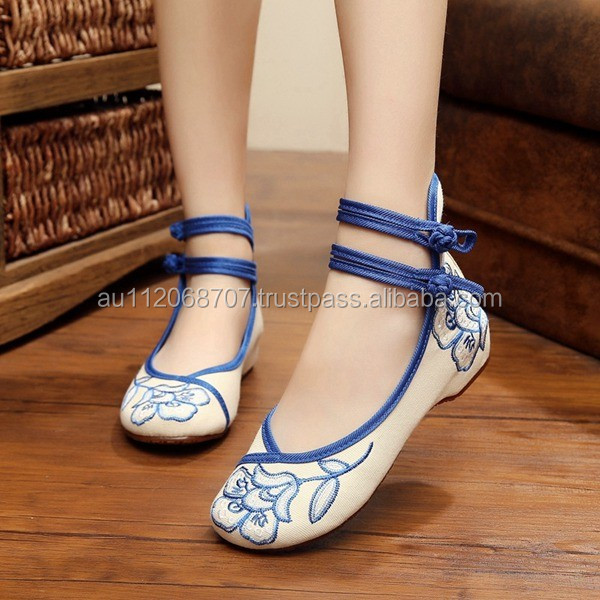 New Women Casual Flat Shoes Buckle Round Toe Chinese Style Embroidered Ladies Cotton Canvas Walking Loafers Oxford Sole No logo