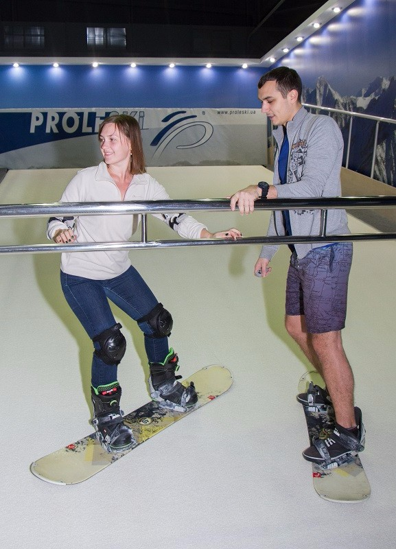 Buy in Greece Recreational sports equipment Indoor snowboard training on dry slopes Indoor ski simulator PRO1