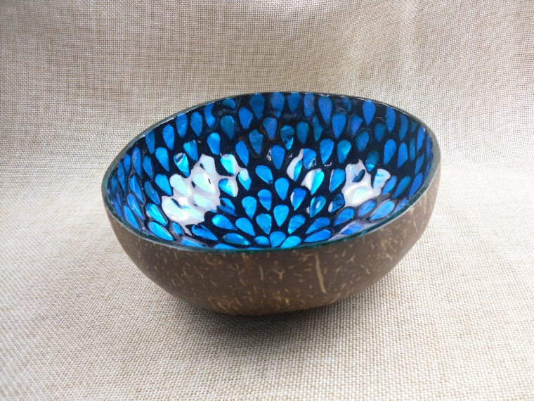 High quality lacquer mother of pearl inlay coconut bowl