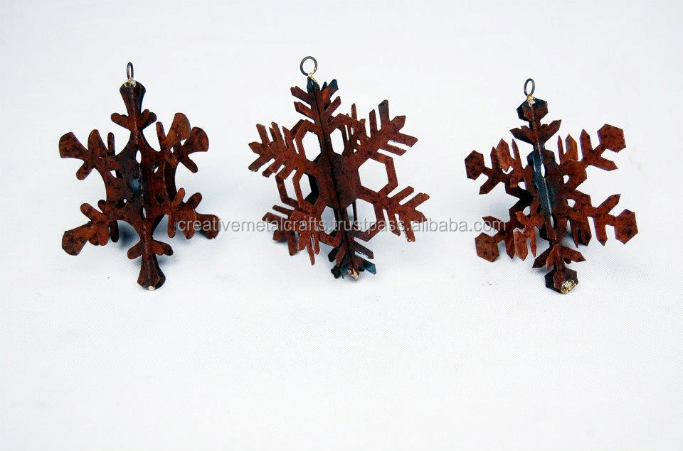 RUST FINISH SNOWFLAKE HANGINGS