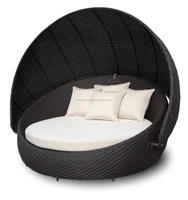 Outdoor aluminium rattan day-bed with wicker adjustable roof