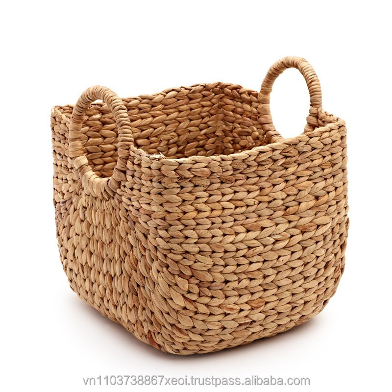 HANDICRAFT BASKETS/HANDBAG with many size and shape. JN