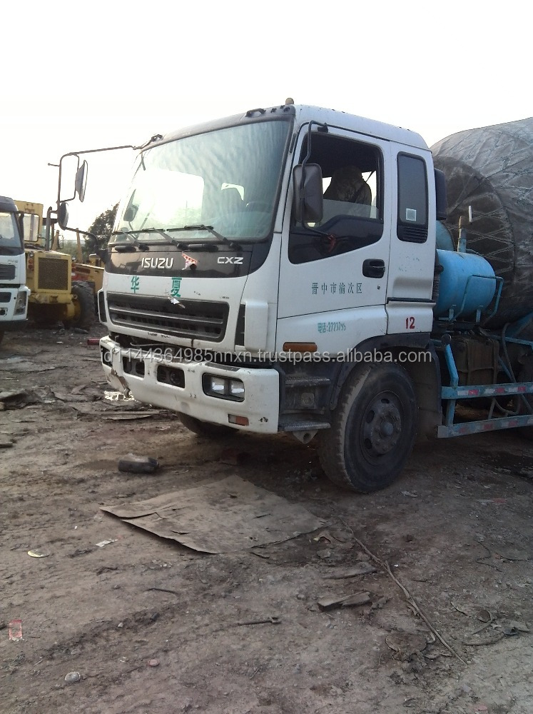 Isuzu 8m3 used mixers truck Japan origin for sale
