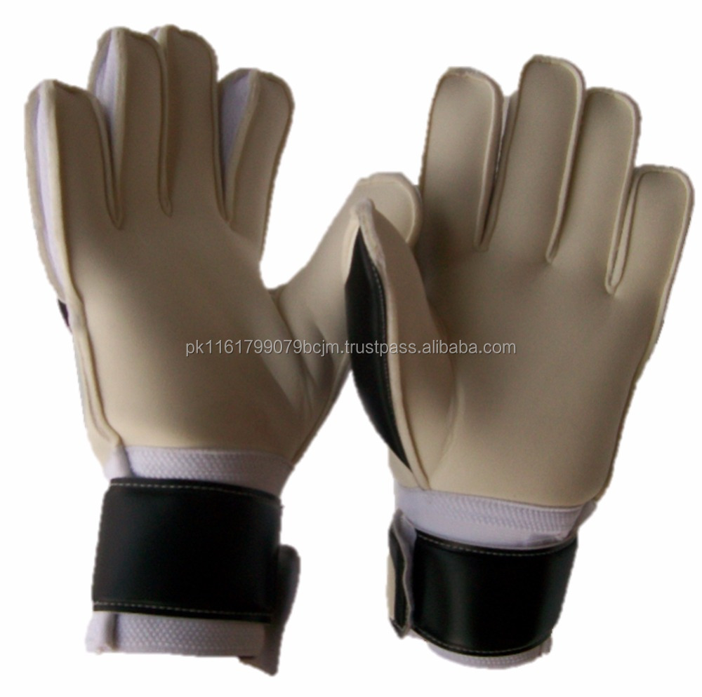High Quality Comfortable Goolkeeper Soccer Gloves