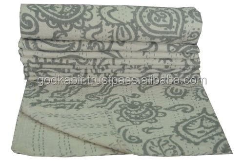 Fashionable Handmade Cotton Kantha Quilt Bedspread Throw Blanket Bed Cover Bedding/hand crochet royal throe blanket.
