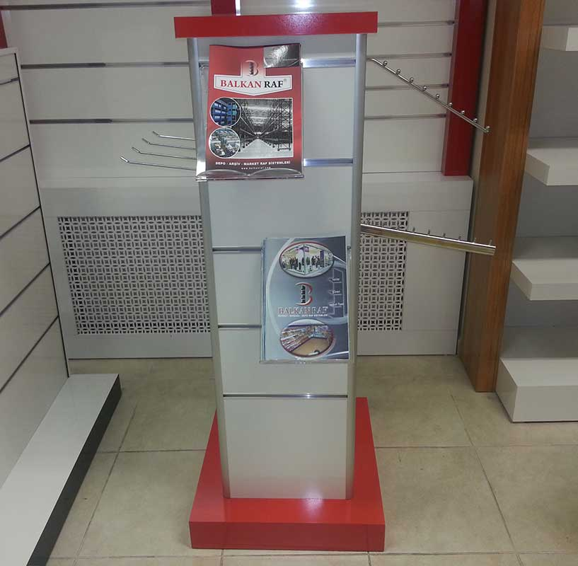 Professional Wooden Tower Clothes Display Stand